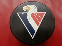 KHL - Slovan Bratislava, Eishockey puck
