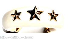 Bracelet manchette en résine crème et métal doré étoiles bijou A4