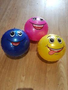 PLASTIC 16CM Flyaway Football Indoor Outdoor for KIDS Smiley  BLUE PINK YELLOW