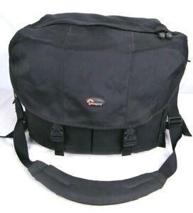 Lowepro Black Ballistic Nylon - Stealth Reporter Camera Shoulder Bag D650 AW