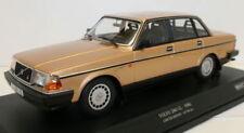 Véhicules miniatures jaunes Volvo 1:18