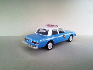 """Dodge Diplomat 1983 NYPD Police """"The Usual Suspects"""" 1:43 MotorMax"""
