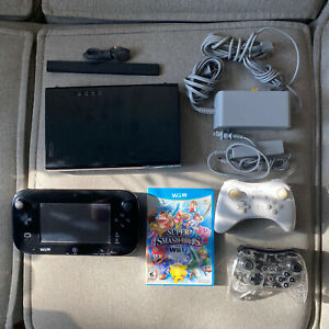 NINTENDO WII U GAME CONSOLE Black 32 GB Complete + Super Smash Bros Bundle