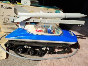 Saturn DDR Anker Spielzeug Fernlenk Auto