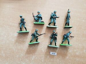 Britains Deetail WW2 German Infantry 7 figures (lot 3476)