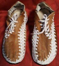 2006 NIKE HIDEOUT PONY CABELLO Zapatillas Zapatos Talla 43, UK 8,5 Excelente Estado