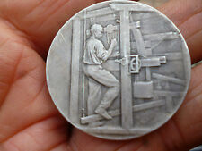 Ancienne Médaille:Métier à Tisser  Tisserand Soyeux ? Canut ? Soierie