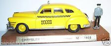 RARE CEC sur BASE SOLIDO CHRYSLER WINDSOR YELLOW TAXI USA 1/43 REF 1809 FIGURINE