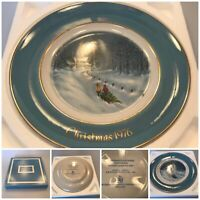 Vintage Avon Christmas Plate - Wedgwood - 1976 - Bringing home the Tree