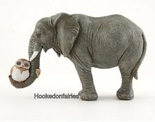 Elephant Hugging Owl TO 4628 Miniature Fairy Garden