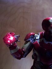 Hot Toys Ultron Heart CUSTOM LED Avengers Age of Ultron Scarlet Witch MMS301