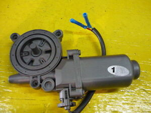 02 03 Mazda Protege Protege5 Window Lift Motor Front Right Passengers Side