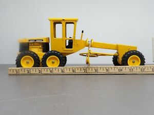ERTL John Deere Vintage Diecast Toy Road Grader for Parts or Restoration