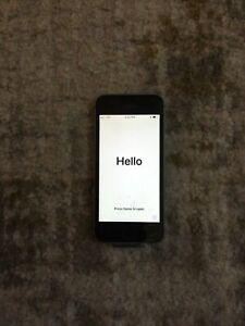 Apple iPhone SE - 128GB - Space Gray (Verizon) A1662 (CDMA + GSM)