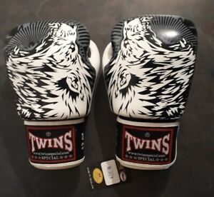 FBGVL3-50 Twins White Wolf Boxing Gloves 12oz - NEW