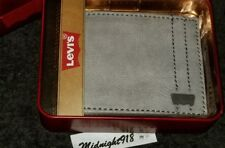 NEW LEVI'S LEATHER BILLFOLD MENS GRAY WALLET.