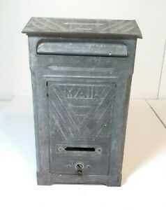 """Vintage Art Deco Style Wall Mount Metal Mailbox by P.N. Co Fulton IL 11""""x6"""""""