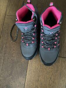 Gelert girls walking boots size 3
