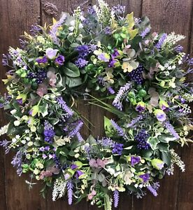 ARTIFICIAL BLUEBELL AND WHITE BELL FLOWERS DOOR WREATH
