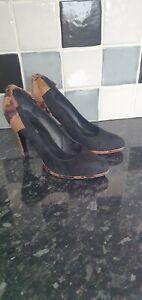 Ladies Karen Millen Black Suede Shoes Size 5