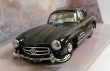 Véhicules miniatures Dinky pour Mercedes 1:43