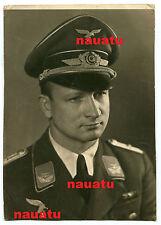Foto Portrait Luftwaffe Oberleutnant mit Orden und Schirmmütze Georg Morche