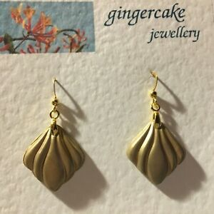 ART DECO STYLE CURVES DROP EARRINGS GOLD SHEEN WITH GOLD PLATED hook