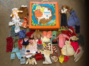 Vintage 1967/69 Skipper Barbie's Doll Case Hangers Skipper Doll & 36 Lot Clothes