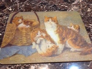 LARGE GLASS CUTTING BOARD WITH CATS