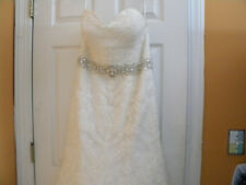 BEAUTIFUL LACE EMBROIDERY FIORE COUTURE  WEDDING DRESS  SIZE 8-10 w/Beaded Belt