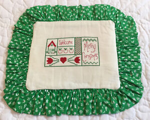 Christmas Quilt Wall Hanging, Needlepoint, Merry Christmas, Welcome, Red, Green