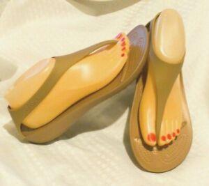 Women's CROCS Serena Flip Sandal - Sz 9 Bronze Flip Flop with Heel