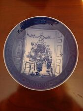 Royal Copenhagen Christmas Plate, 2000, Trimming the Tree, Free Shipping