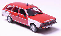 H0 BREKINA Personenkraftwagen VW Passat Kombi Variant Feuerwehr Blaulicht 25608