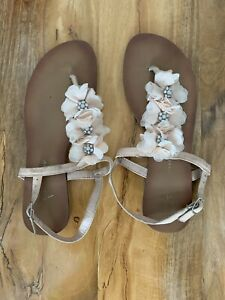 Women Flowers Studs Sandals Used but In Excellent Condition Size 8/42