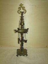 Antique Oil Lamp Brass Antiquity Style w / Lion