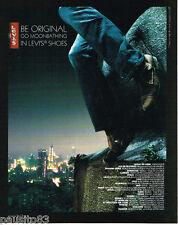 PUBLICITE ADVERTISING 085  2006  LEVI'S   jeans chaussures baskets  MOONBATHING