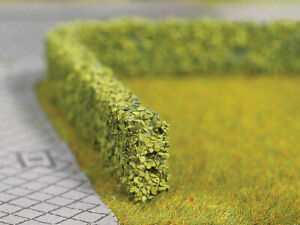 "Walthers SceneMaster HO Scale Short Hedges/Bushes - Light Green (1/4"" High)"