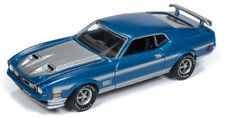 Auto World Ford Mustang Mach 1 1972 Blue w/ Silver Strip 64192 A 1/64