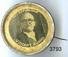 3793 - EPINGLETTE IVe REPUBLIQUE VIENCENT AURIOL (INSIGNE)