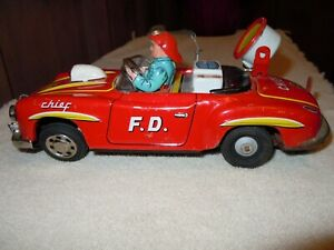 Vintage Tin Toy SANSHIN Battery Operated FD Fire Chief Car