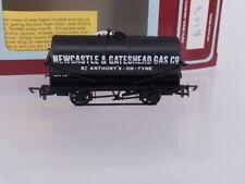 OO Dapol B107 20T Tank Wagon Newcastle & Gateshead Gas Co Boxed