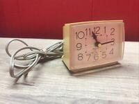 Vintage WESTCLOX Electric Alarm Clock Model 22090-22540 Made in USA Beige