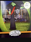 Gemmy 12 Foot Tall Airblown Vampire with Sign Lighted Inflatable Halloween New