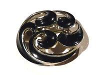 Bijou alliage argenté broche intemporelle rosace émaillée  brooch