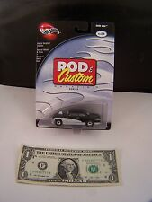 Hot Wheels Black & White Shoe Box #2 of 4 Rod & Custom Magazine -   RR - 2002