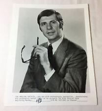 1969 8x10 press photo ~ THE AMAZING KRESKIN on The Mike Douglas Show