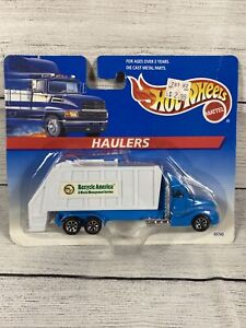 Hot Wheels Haulers Tractor Trailer Truck Recycle America 1/64 Diecast MOC Truck