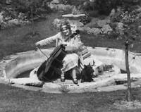 OLD PHOTO British Cellist Beatrice Harrison Circa 1920