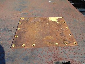 NEW HOLLAND SKID STEER OEM CHAIN CASE COVER 86591236